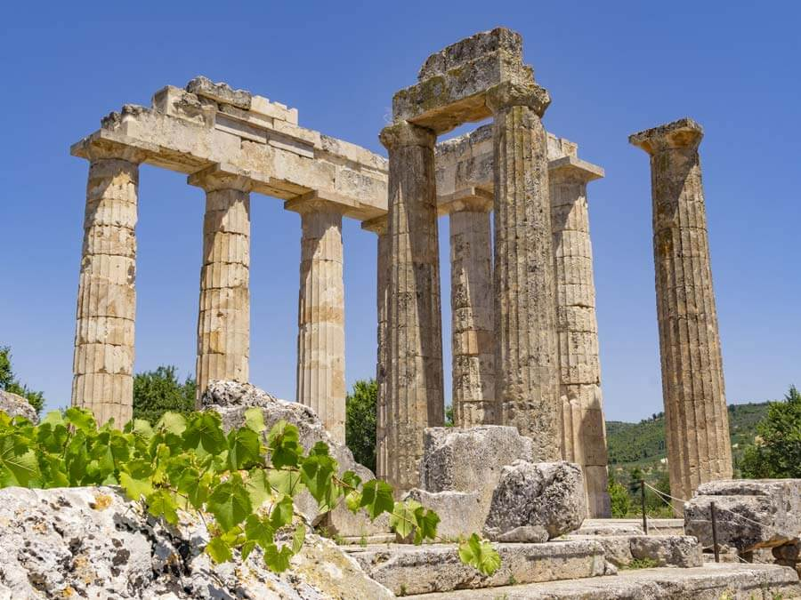 The Temple of Zeus in Nemea, day trip from Athens