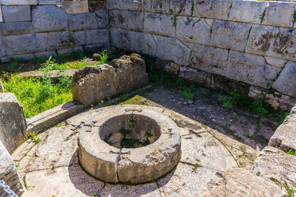 Private guided excursion to Eleusis from Athens